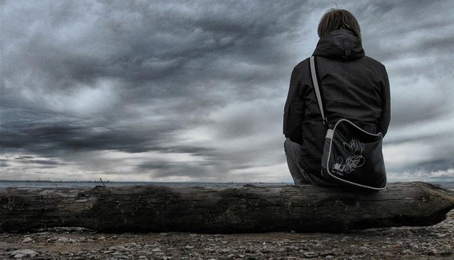 один картинки одиночества и боли мужчин неизменному траурному платью