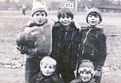 Андрей Свирков(с мячом) и его друзья