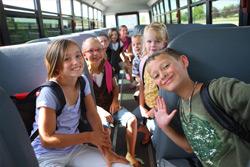 С 1 июля школьники обязаны оплачивать проезд в общественном транспорте