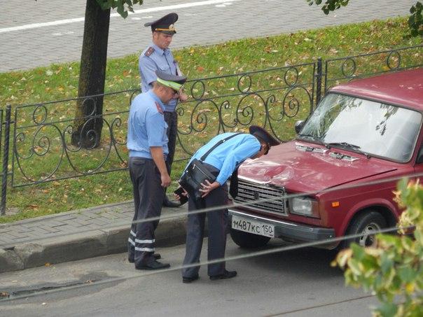 На главной улице Бобруйска сбили инспектора ГАИ