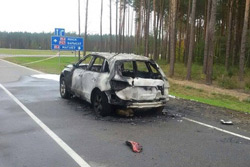 Разборки в Минской области: бизнесмена застрелили возле дома и сожгли в Audi Q5