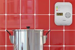 Установка в квартирах извещателей угарного газа станет обязательной