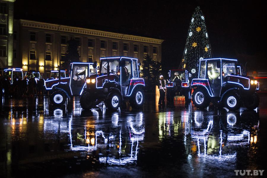 Тракторы «Белорус» научили танцевать танго (+ видео и фото)