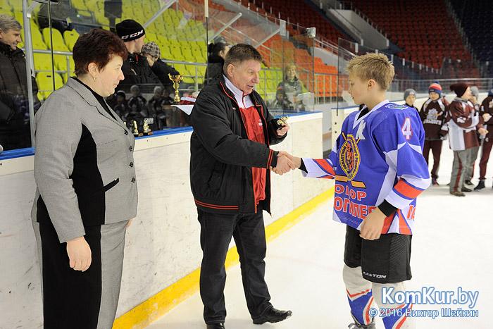 В Бобруйске прошел новогодний хоккейный турнир