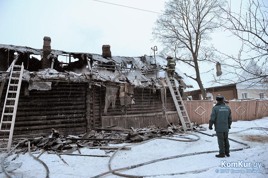 В Бобруйске загорелся частный дом, не исключен поджог