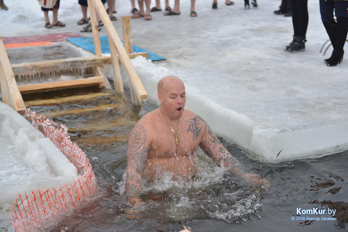 ВЯкутске начались обычные крещенские купания