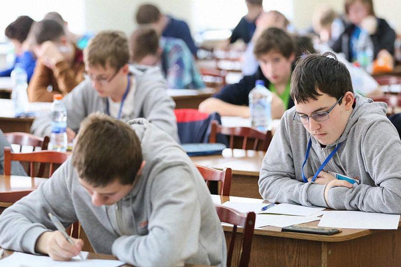 С 8 по 12 января в Могилеве проходил III областной этап республиканской олимпиады по учебным предметам. В составе городской команды Бобруйска было 203 учащихся учреждений общего среднего и среднего специального образования города по 16 учебным предметам.