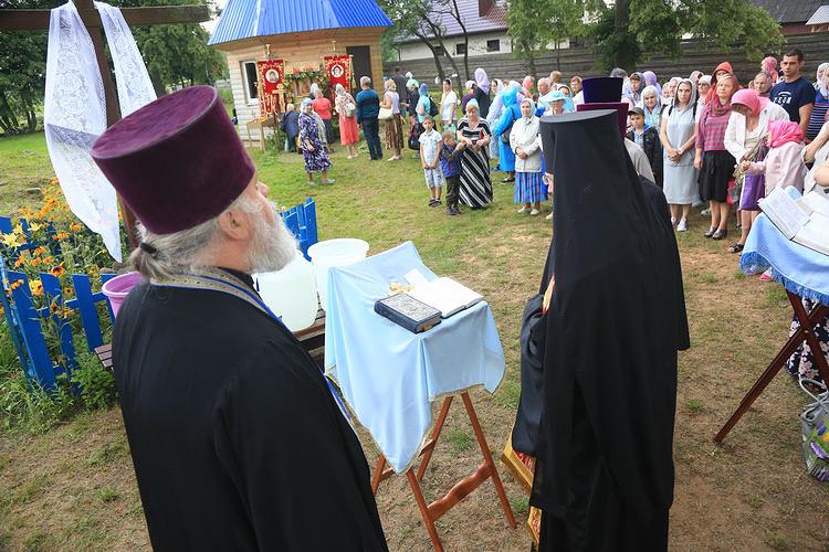Паломники из Бобруйска прошли крестным ходом