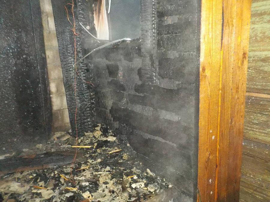 В Бобруйске загорелся дом. Она из версий – поджог