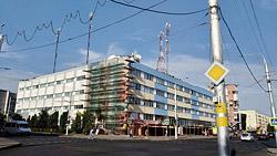 В августе 2020 года планировалось окончание ремонта здание главпочтамта на улице Минской. Но последний летний месяц завершен, а работы все еще идут. В чем же дело?