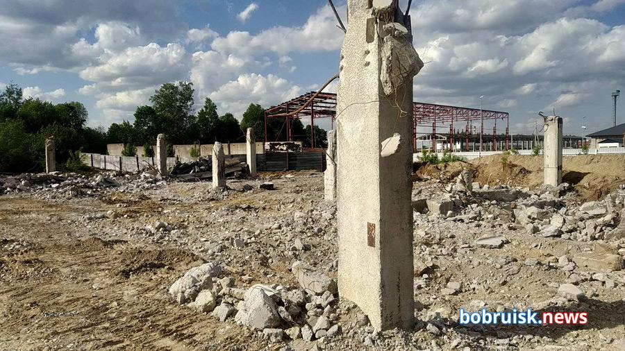 Этажерку в Бобруйске таки сравняли с землей! Но ее остатки еще послужат...