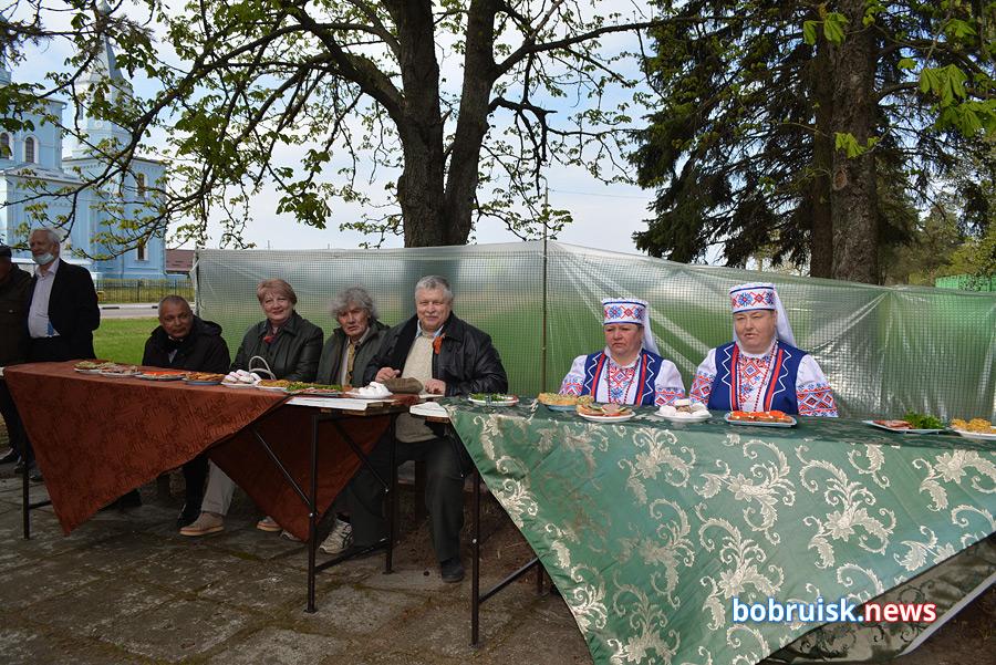 Бобруйск, Киселевичи, День Победы в кругу друзей