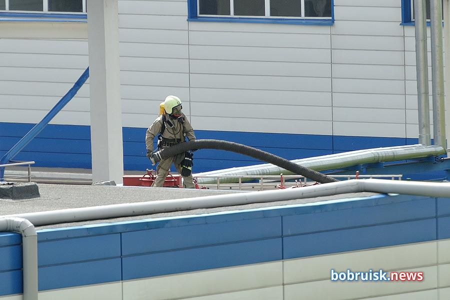 На территории предприятия «Бобруйскмолоко» – скопление пожарной техники