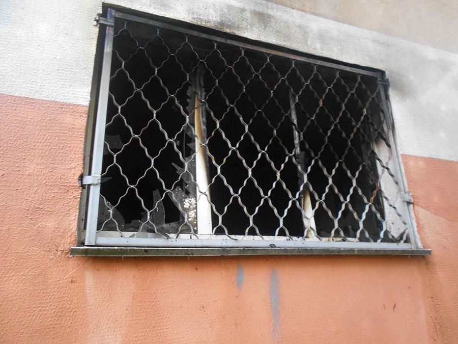 «Маска спасаемого» и эвакуация подъезда. Серьезный пожар в Бобруйске